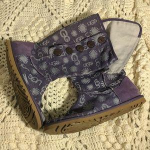 Ugg size 7 denim Bailey button up logo boots light